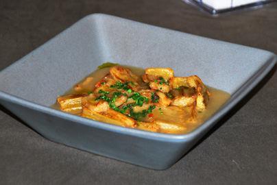 Cardos fritos en salsa de escabeche